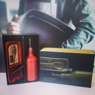 Бутылка для масла и подставка под ложку Emile Henry